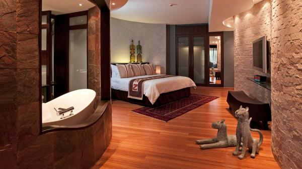 006949-14-bedroom-oval-tub-floor-sculptures.jpg
