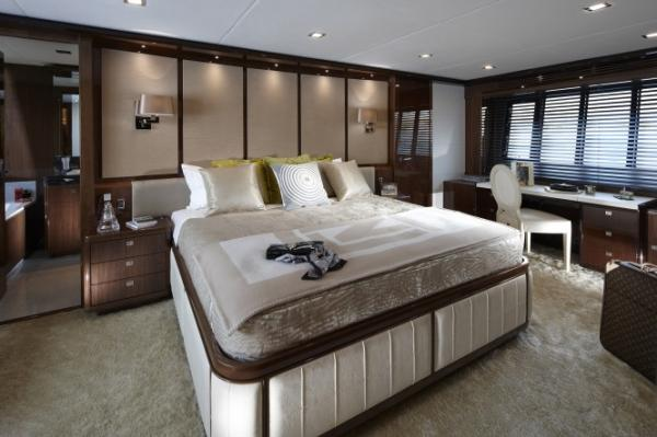 Princess-Yachts-98-Motor-Yacht-Master-Stateroom-in-collaboration-with-Fendi-Casa-665x443.jpg