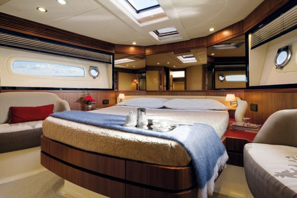 normal_Magellano-50-VIP-Cabin.jpg