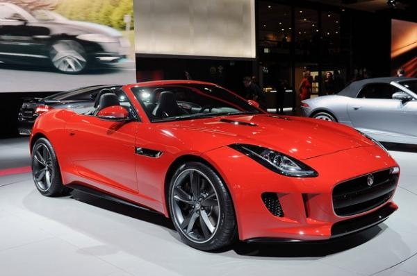 2013-jaguar-f-type-paris-show.jpg