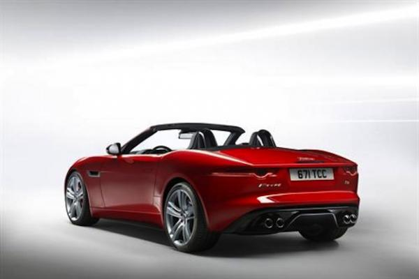 2014-Jaguar-F-Type-2.jpg