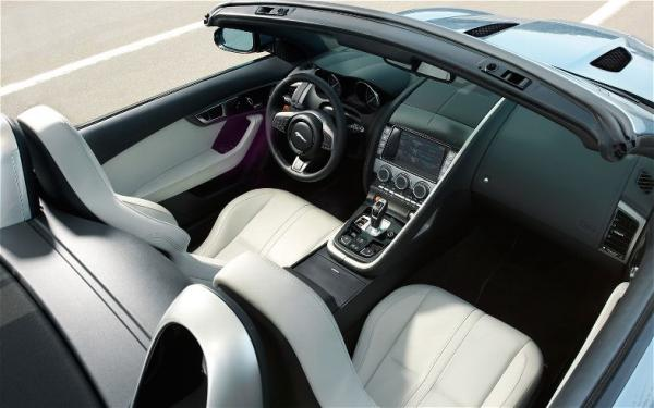 2014-Jaguar-F-Type-interior.jpg