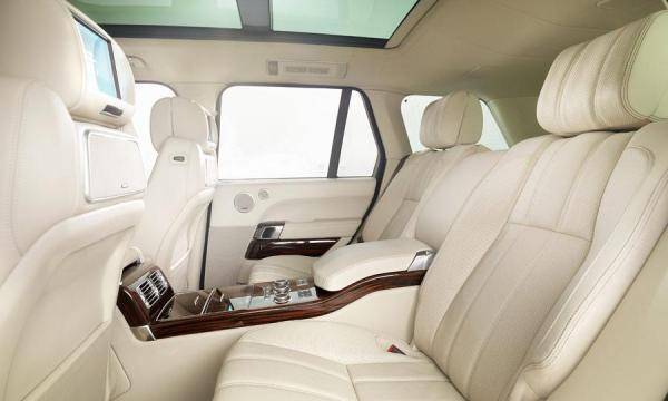 2013-Range-Rover-rear-seats.jpg